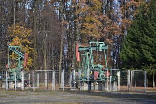 Ropná čerpadla nedaleko křižovatky U Slepice