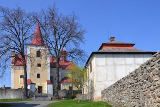 Kostel sv. Michaela archanděla a fara v Uhelné Příbrami