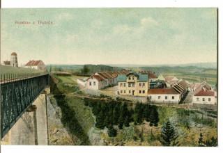 Historická pohlednice s větrným mlýnem při pohledu od západu.