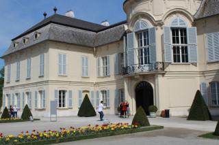Niederweiden spojuje prvky francouzského zámečku prostoupené atmosférou italské panské vily.