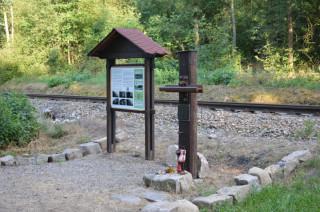 Pomníček železniční nehody mezi zastávkami Lčovice a Čkyně