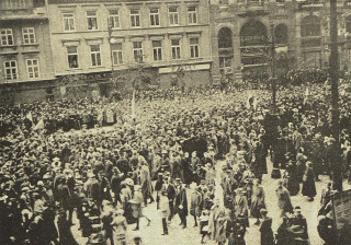 Václavské náměstí 28. 10. 1918. Reprodukce z časopisu Český svět.