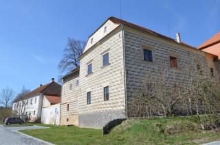 Starý černínský zámek v Chudenicích