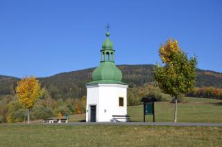 Kaplička na úbočí Kostelního vrchu