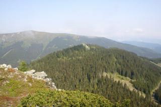 Hřeben Fischerbašských Alp z vrcholu Harderkogel, v pozadí Stuhleck