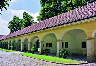 Barokní ambity poutního areálu
