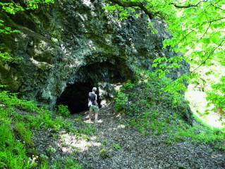 Jeskyně odkrytá při těžbě