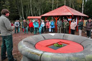 Slavnostní otevření upravené lokality Novoveské kyselky 28. 10. 2010