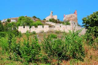 Nedobytné hradby se podařilo překonat až Švédům. Stále ale podávají důkaz o dávné důležitosti hradu.