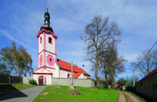 Dráchov, kostel sv. Václava se hřbitovem