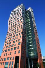 111 metrů vysoký AZ Tower