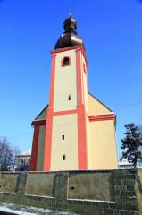 Původně gotická věž rostoklatského kostela