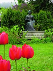 Pomník Karoliny Světlé