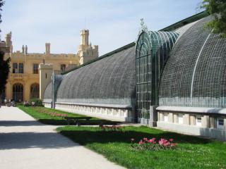 Zámecký skleník v Lednici navazuje na východní křídlo zámku