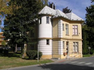 Budova Muzea ošetřovatelství se nachází vkrásné vilce soznačením W.