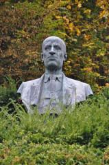 Busta Vladislava Vančury