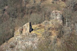 Dnes už toho moc nenaznačuje, že se jednalo o jeden z nejvýznamnějších přemyslovských královských hradů. (foto M. Majer)