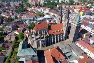 Pohled na chrám sv. Bartoloměje v Kolíně od severu
