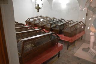 Podzemní krypta s mumiemi