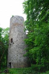 Nejzachovalejší částí Volfštejna je 22 m vysoká věž.
